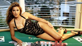 Shana-hiatt-casino-table-sexy-black-dress_display_image