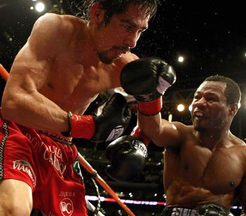 Antonio Margarito being hit by Shane Mosley