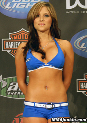 Brittney Palmer Dating Donald Cerrone 9  Then She Went to the WEC