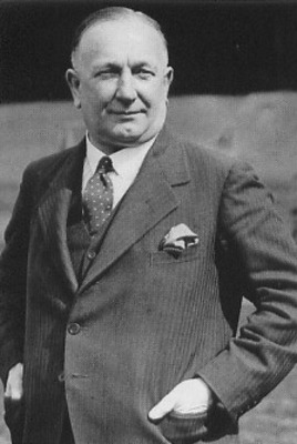 Herbert_chapman_display_image