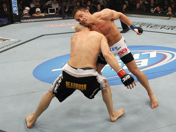 Ufc129_06_ellenberger_vs_pierson_001_display_image