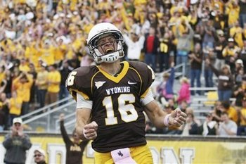 65073_unlv_wyoming_football_display_image
