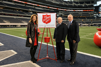 56629-jerry-jones-and-charlotte-jones-anderson-md_display_image