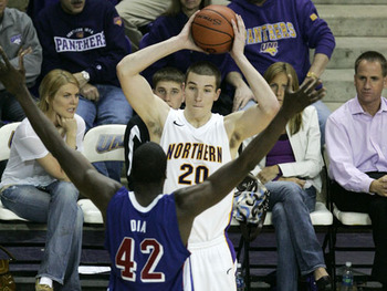 0322_spo_uni_basketball_bm00056_display_image