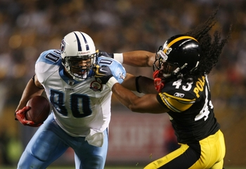 Troy Polamalu tries to make a tackle during the 2009 season opener.