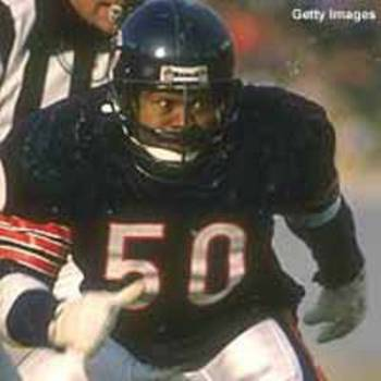 Mike Singletary and his stare were the signature of middle linebackers in the 1980's.