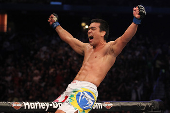 Ufc129_10_couture_vs_machida_009_display_image
