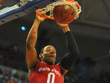 Jared-sullinger-dunking_display_image
