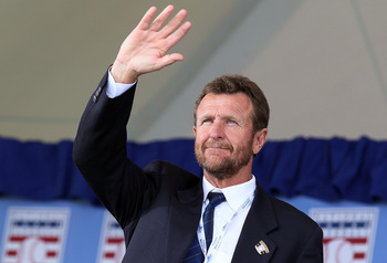 Robin Yount was the face of the Milwaukee Brewers for a generation. He was a HOF inductee in  1999