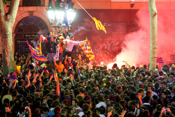 24sport-fc-barcelona-fans-006_display_image