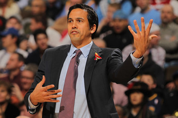 Erik-spoelstra-miami-heat-coach-guitar-sign-nba-funny-photo_display_image
