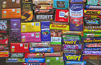 50_candy_bars_display_image
