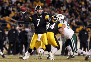 PITTSBURGH, PA - JANUARY 23:  Ben Roethlisberger #7 of the Pittsburgh Steelers throws a pass against the New York Jets during the 2011 AFC Championship game at Heinz Field on January 23, 2011 in Pittsburgh, Pennsylvania. The Steelers won 24-19. (Photo by