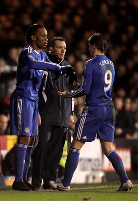 LONDON, ENGLAND - FEBRUARY 14:  Fernando Torres of Chelsea is replaced by Didier Drogba of Chelsea during the Barclays Premier League match between Fulham and Chelsea at Craven Cottage on February 14, 2011 in London, England.  (Photo by Scott Heavey/Getty