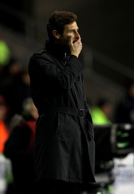 WIGAN, ENGLAND - DECEMBER 17:  Chelsea Manager Andre Villas Boas reacts during the Barclays Premier League match between Wigan Athletic and Chelsea at the DW Stadium on December 17, 2011 in Wigan, England.  (Photo by Alex Livesey/Getty Images)