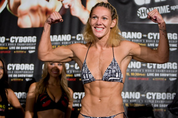 01_cris_cyborg_santos2_display_image