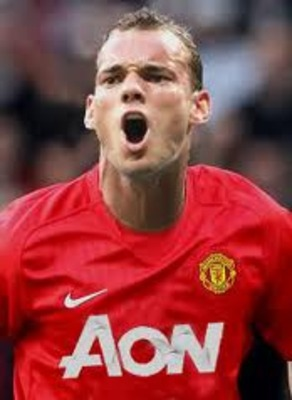 How Sneijder would look in a United kit