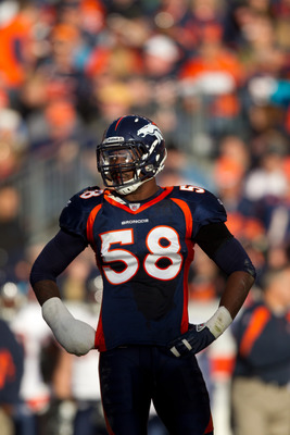 DENVER, CO - DECEMBER 11:  Linebacker Von Miller #58 of the Denver Broncos between plays against the Chicago Bears at Sports Authority Field at Mile High on December 11, 2011 in Denver, Colorado. (Photo by Justin Edmonds/Getty Images)