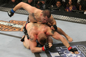 Ufc121_11_velasquez_vs_lesnar_005_display_image