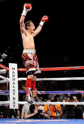 Nonito Donaire celebrates his devastating 2nd round knockout of Fernando Montiel