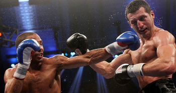 Andre Ward barely conceded a round to Carl Froch in their Unification Bout
