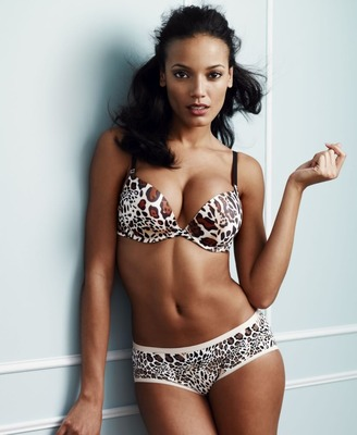 11selitaebanks_display_image