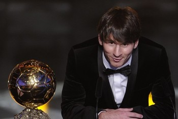 Argentinas-lionel-messi-poses-with-the-fifa-ballon-dor-award-on-january-10-2011-at-the-kongresshaus-during-the-fifa-ballon-dor-ceremony-in-zurich_display_image