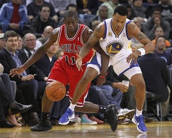 114147_bulls_warriors_basketball_display_image