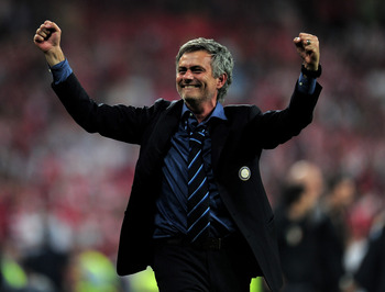 Mourinho celebrates lifting the Champions League trophy with Inter