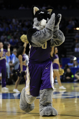 Husky Mascot Sundodger pumping up the crowd