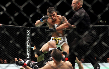 Dos_anjos_pulls_off_upset_in_style_at_ufc_sotiropoulos_knocked_silly_in_the_first_large_display_image