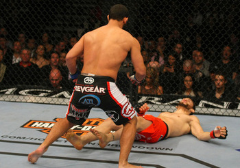 141_web_final-08_hendricks_vs_fitch_006_large_display_image
