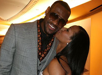 Lebron-james-savannah-brinson-engaged_display_image