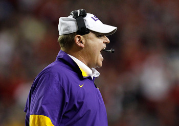 ATLANTA, GA - DECEMBER 03:  Head coach Les Miles of the LSU Tigers against the Georgia Bulldogs during the 2011 SEC Championship Game at Georgia Dome on December 3, 2011 in Atlanta, Georgia.  (Photo by Kevin C. Cox/Getty Images)