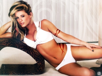 Ashley-massaro-ashley-massaro-7647208-1024-768_display_image