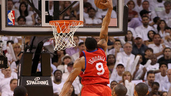Andre-iguodala-sixers-dunk_display_image
