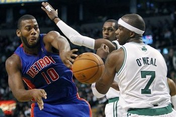 114513_pistons_celtics_basketball_display_image