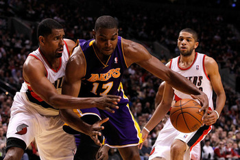 Lakers-blazers-andrew-bynum-getty_large_display_image