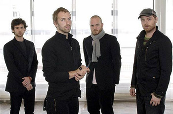Coldplay_debuts_album_mylo_xyloto_display_image