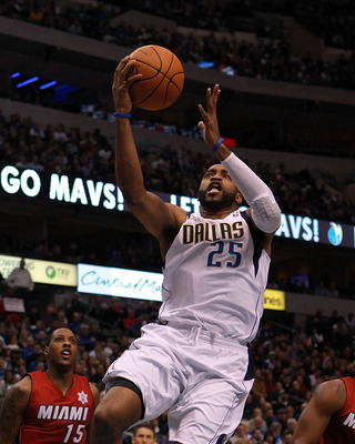 Vince Carter is one of three Tar Heels on the Mavericks