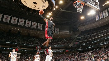 Nba_g_james_gb3_576_display_image
