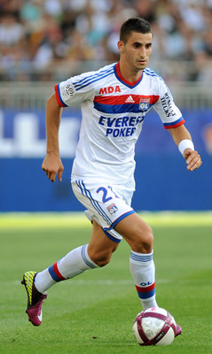 Maxime Gonalons in action for Lyon