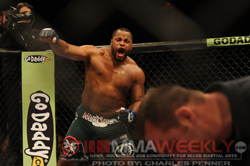 B09-silva-cormier-strikeforce-0911-4358_display_image