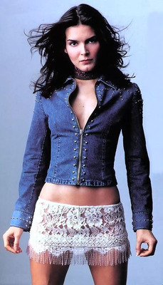 Rule5_angie_harmon_1_display_image