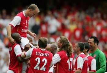 Dennis Bergkamp is honored at Emirates Stadium
