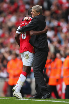Wenger and Gallas celebrate