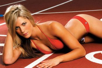 Melanie-adams-pole-vaulter-aussie-bikini-1_display_image