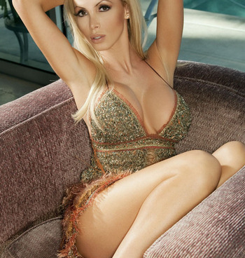 Nikki-benz-15_display_image