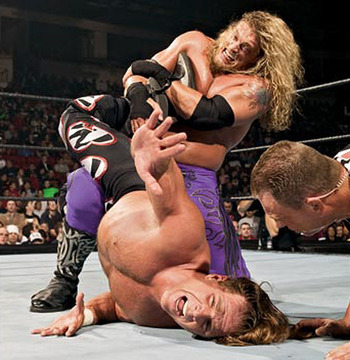 Royal_rumble_2005_-_shawn_michaels_vs_edge_01_display_image
