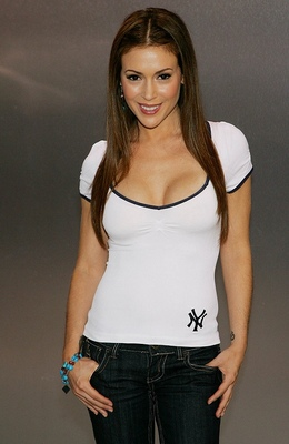17alyssamilano_display_image